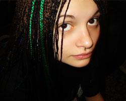 Афрокосички и завивка вредят волосам
