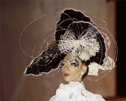 Парикмахеры представили на суд зрителей свое видение причесок на фестивале «Хрустальный ангел»